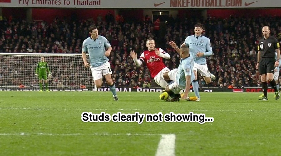 kompany-tackle-on-wilshere-11