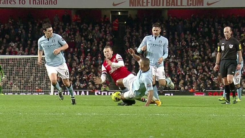 kompany-tackle-on-wilshere-fi
