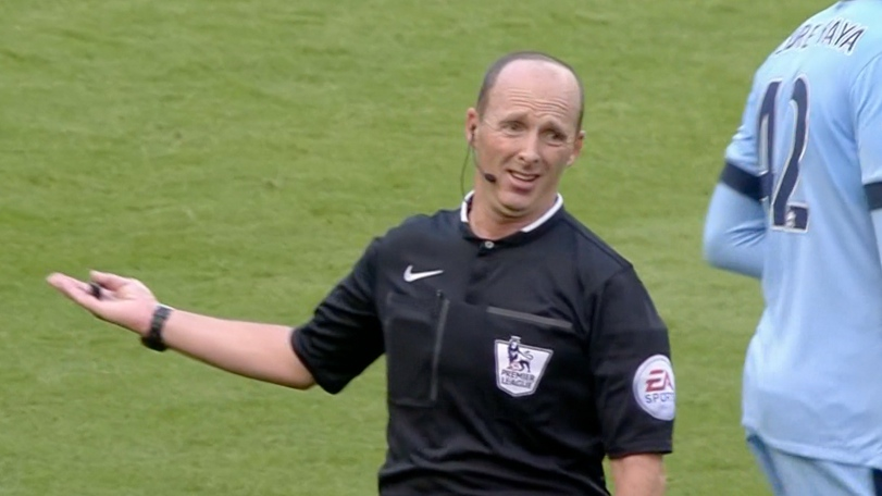 Ref Focus: Mike Dean, Man City v Chelsea